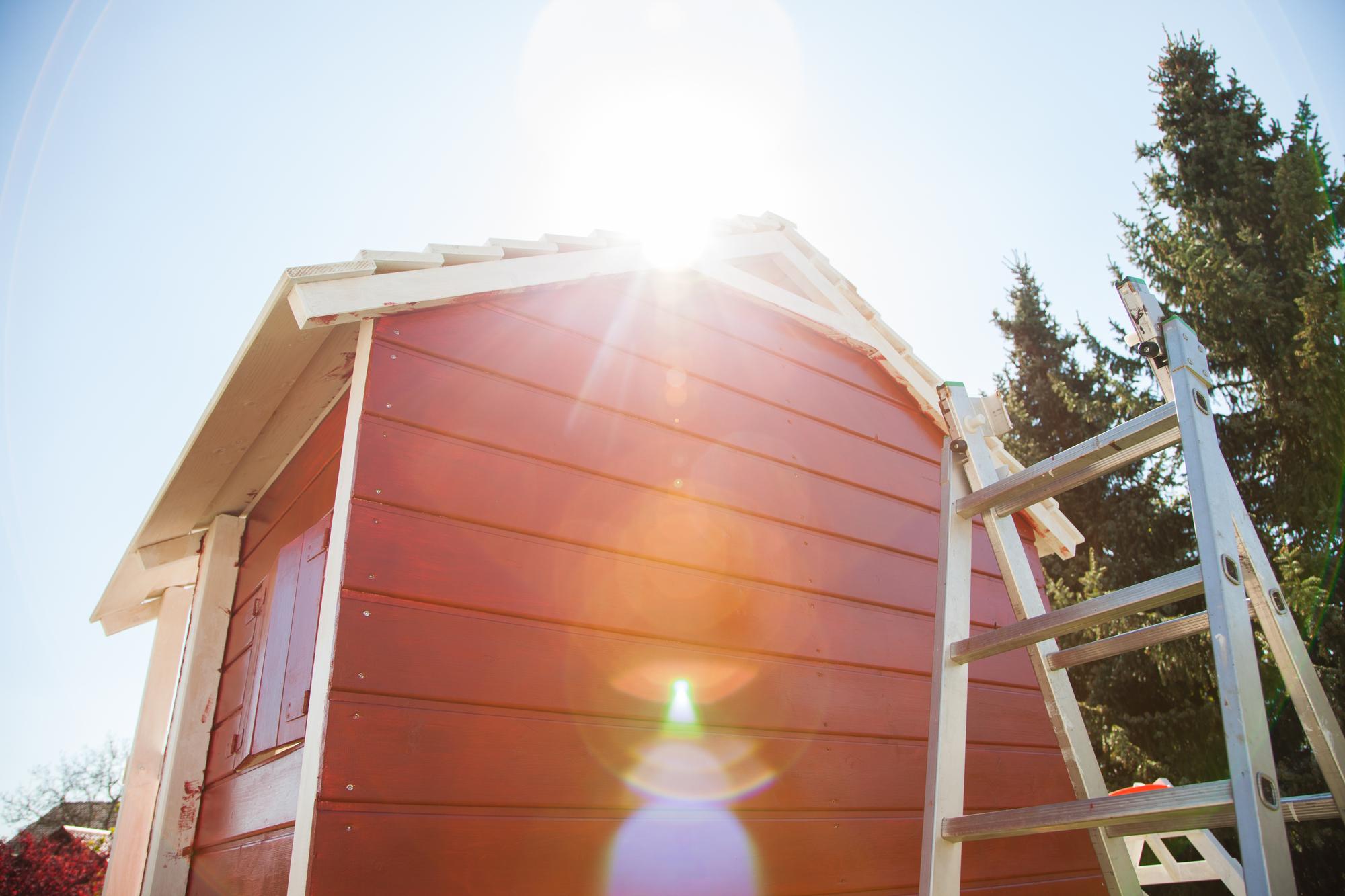 Træhus med træbeskyttelse